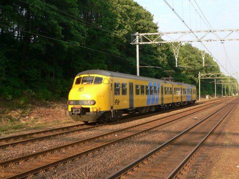 Spoor, rails, groen