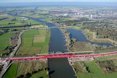 spoorbrug Hanzeboog over de IJssel