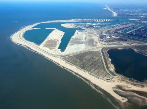 Maasvlakte 2, april 2013