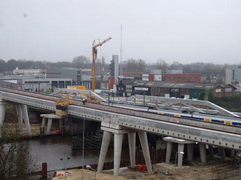 fly-over en spoorbrug in aanbouw, Den Bosch