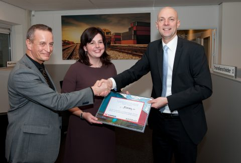 Cheque, overhandiging, Scheepvaart en Transport College