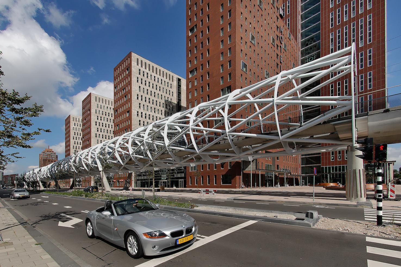 Haagse netkous in top twaalf mooiste stations - Buisvormige constructie ...