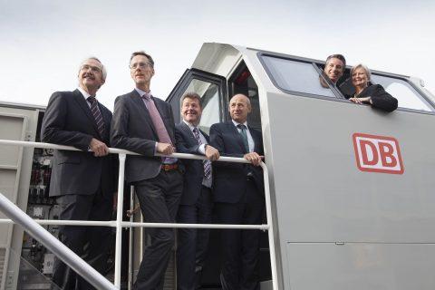 Alstom onthult hybride rangeerlocomotief op InnoTrans