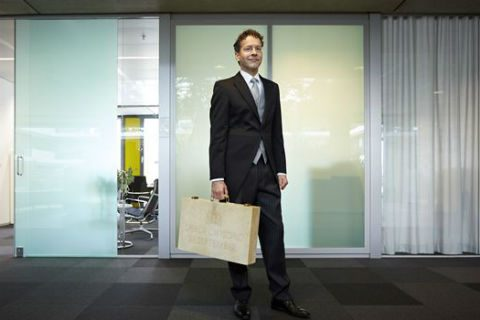 Minister Jeroen Dijsselbloem van Financiën, Miljoenennota, koffertje