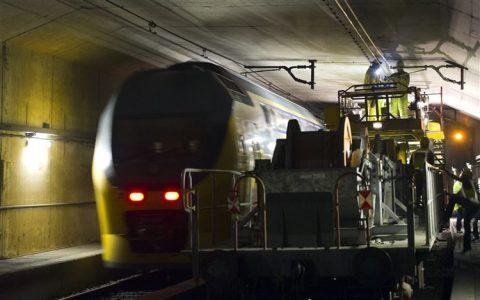 Werkzaamheden, Schipholtunnel, NS-trein