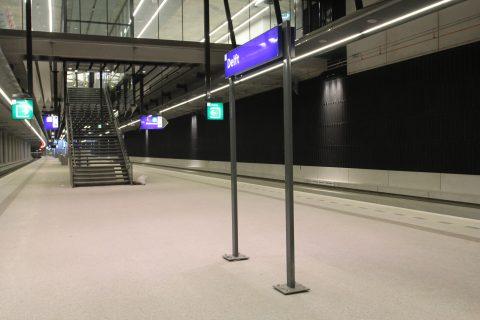 Perron, spoortunnel, station Delft