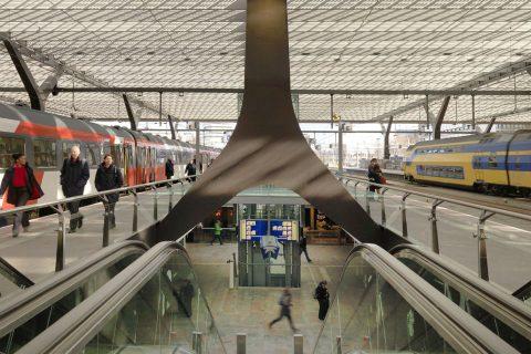 Station, Rotterdam Centraal, reizigers, perron, treinen, NS