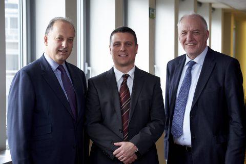 Gilles Mougenot, Voorzitter van Argos Soditic Partners, Geert Pauwels, directeur van NMBS Logistics en Jo Cornu, directeur van NMBS