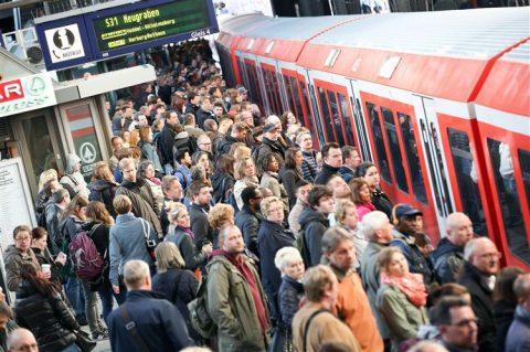 Spoorstaking Duitsland, Deutsche Bahn, reizigers, station Hamburg