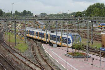 Sprinter Lighttrain (SLT), spoor, rails, Rotterdam Centraal, station