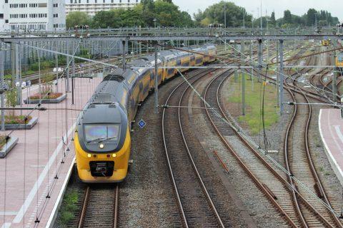 Intercitytrein, station Rotterdam Centraal