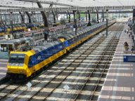 Intercity Direct met twee locomotieven
