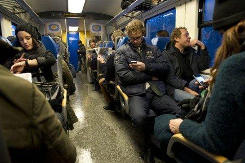 Reizigers, Schiphol, trein