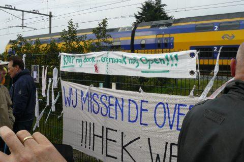Actie spoorwegovergang Laantje van Alverna