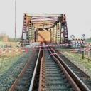 Kapotte spoorbrug bij Weener