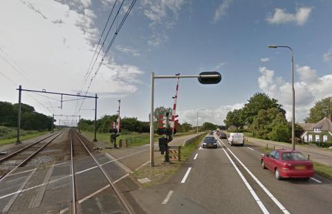 Spoorwegovervang aan de Hessenweg in Zwolle, bron: Google Streetview
