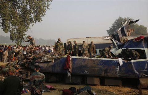 Het leger wordt ingezet bij de treinramp in India, foto: ANP
