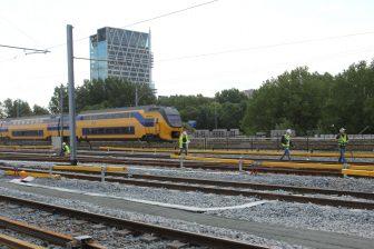 Spoorwerkzaamheden, baanwerkers, NS-trein