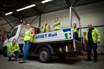 Medewerkers van spooraannemer Asset Rail