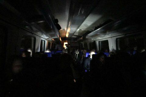 Reizigers zitten vast in Intercity Direct, foto: Erik Eggens
