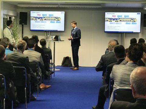 Edward de Jong van Ricardo Rail geeft een presentatie tijdens RailTech Europe 2017