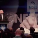 Dagvoorzitter Simon Fletcher van het UIC tijdens het congres van RailTech Europe 2017