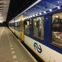 Een Flirt-trein van NS op station Boxtel