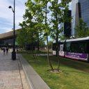 Een tram van de RET bij treinstation Rotterdam Centraal