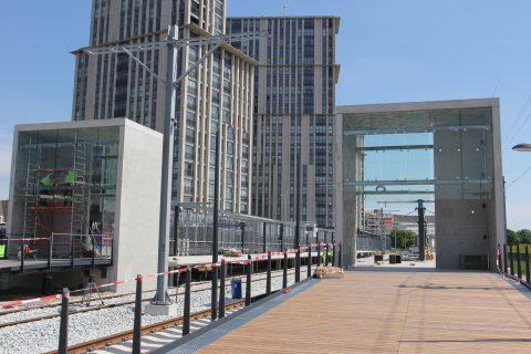 Het nieuwe metrostation Maassluis Steenpolderdijk van de Hoekse Lijn