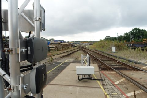 De proefopstellingen met de RFID-technologie op het terrein van Voestalpine Railpro