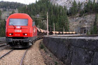 Een goederentrein van ÖBB