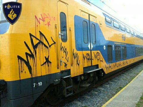 NS-trein beklad met graffiti, foto: NS