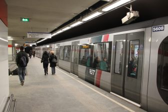 Metro serie 5600, metrostation Beurs, RET