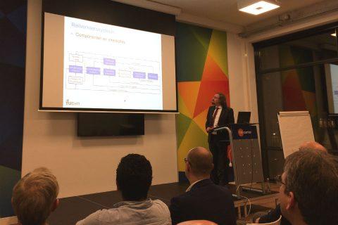 Professor Rob Goverde van TU Delft tijdens een KIVI-bijeenkomst