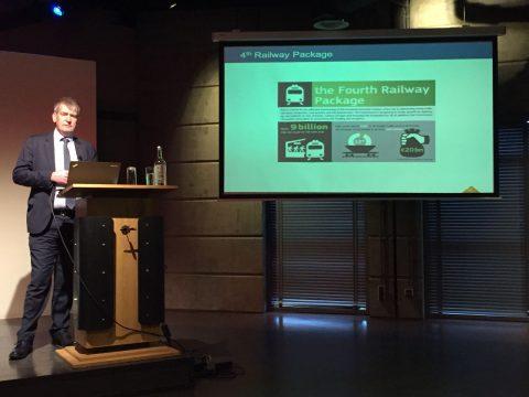 Andrew Simmons van Network Rail tijdens het tienjarig jubileum van IRSE-NL