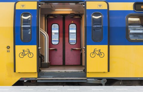 Een NS-trein op treinstation Utrecht Centraal