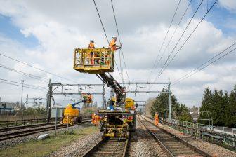 Werkzaamheden bovenleiding, spoor. Foto: Phil Adams, Network Rail