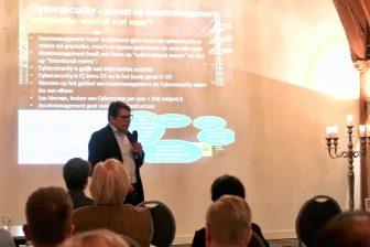 Consultant Peter Oomens van Joulz geeft een presentatie in Kasteel Woerden