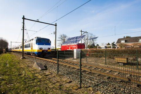Esaver-installatie naast het spoor bij Den Dolder. Foto: Bredenoord