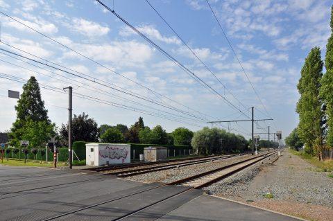 Spoorlijn 66 R02 Brugge-Kortrijk in Loppem Infrabel