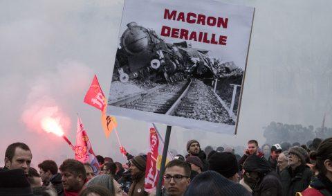 Demonstratie Parijs tegen de hervormingen van spoorbedrijf SNCF, foto: Hollandse Hoogte
