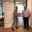 Directeur Lex van der Poel van Dual Inventive en directeur Robert Oosterhof van RailAlert