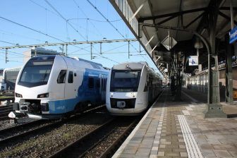 Start Blauwnet Keolis Flirt op station Hengelo