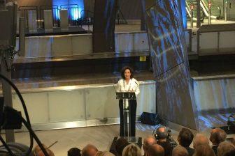 Burgemeester Femke Halsema van Amsterdam tijdens de opening van de Noord/Zuidlijn