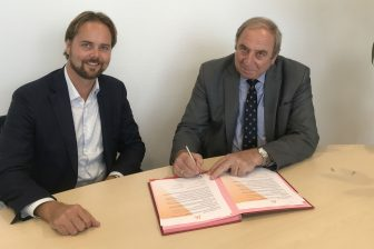 Ondertekening samenwerkingscontract Ricardo en RailAlert