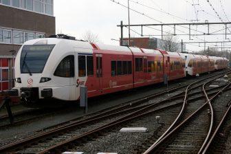 Stadler GTW 2/8 Spurt van Arriva in Leeuwarden. Bron: Roel Hemkes