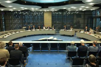 De commissie Infrastructuur en Waterstaat in de Tweede Kamer