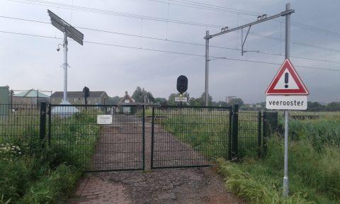 Een van de spoorwegovergangen in Santpoort-Zuid, foto: Boerderij Sinneveld