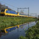 Traxx-locomotief met rijtuigen voor HSL