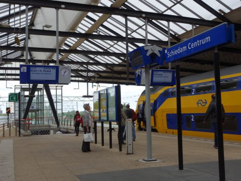 Intercity op Schiedam Centrum, foto: Wikimedia Commons